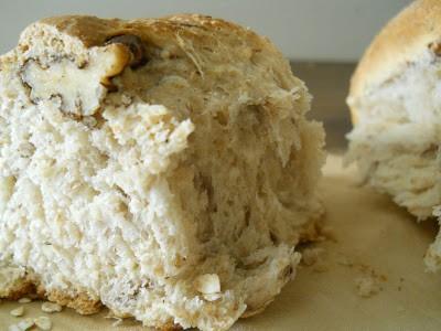 Oat and walnut bread