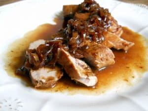 PORK TENDERLOIN WITH PORT SHALLOT SAUCE