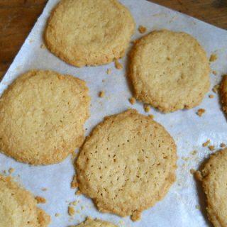 Brown butter shortbread crisps