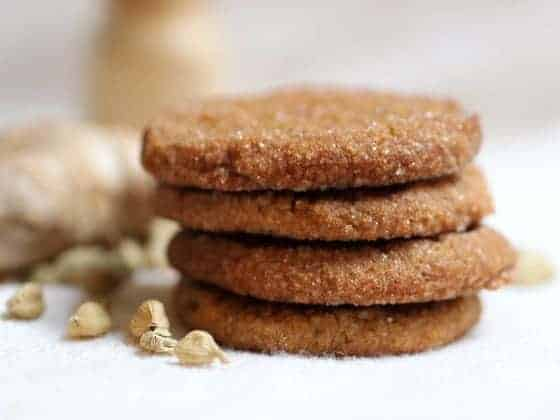Vintage Monday – Spicy Ginger Cardamom Cookies