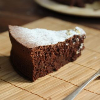Flourless Chocolate Bean Cake #SundaySupper