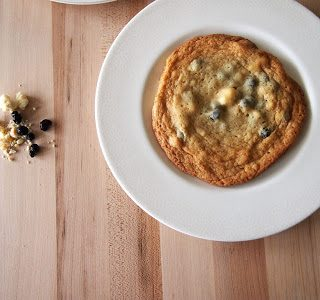 Momofuku Blueberries and Cream Cookies – a guest post from Pies and Plots