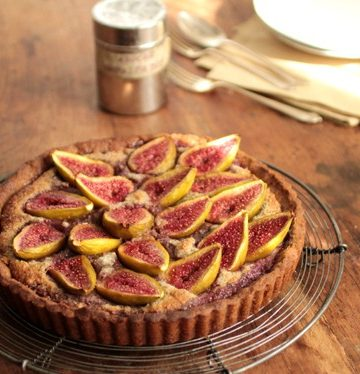 Fresh Fig and Walnut Pie