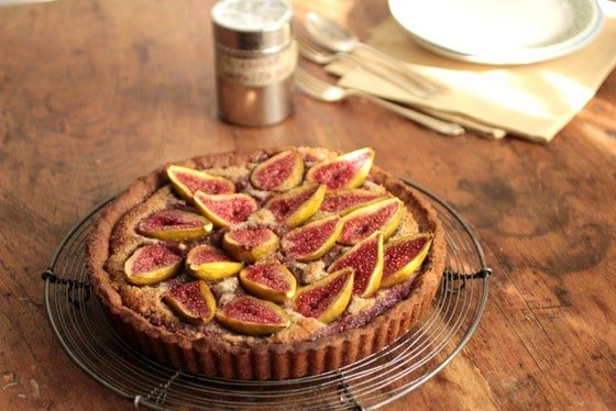 Fresh Fig and Walnut Pie #SundaySupper