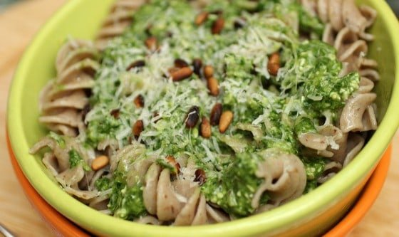 Spinach, Lemon and Pine Nut Pesto – a guest post at Hip Foodie Mom