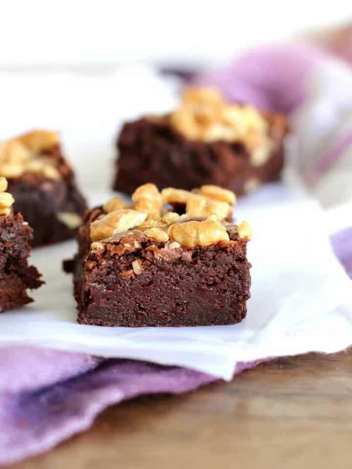 Easy extra Fudgy walnut brownies