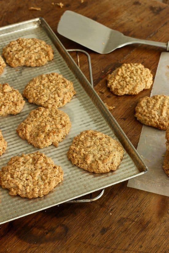 Easy Walnut Oatmeal cookies