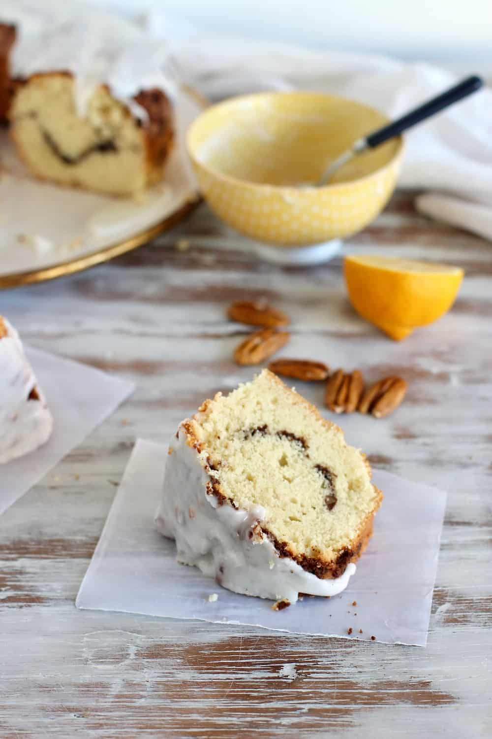 Easy glazed Pecan coffee cake