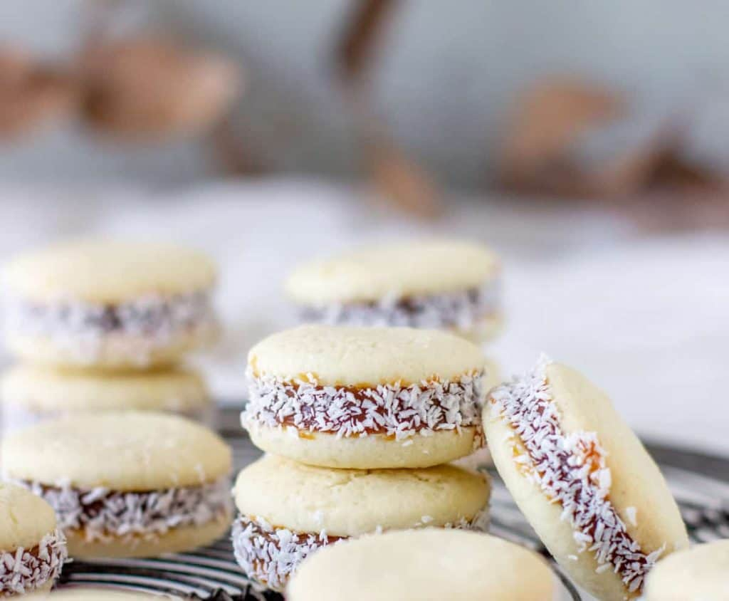 Cornstarch alfajores on a wire rack