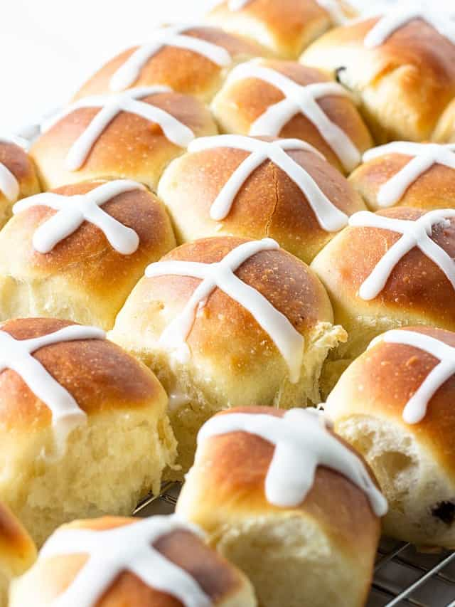 Several hot cross buns with white background